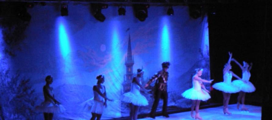 Con éxito y un gran marco de público se presentó en Paihuano el Ballet Ruso sobre Hielo