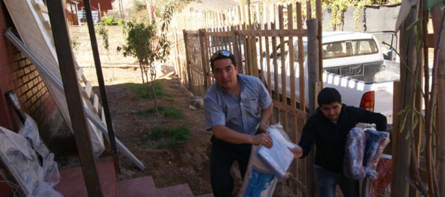 Familias reciben implementos para mejorar su calidad de vida a través de Chile Solidario