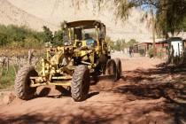 Invierten en mantención de vías y caminos rurales de diversos pueblos de la comuna de Vicuña