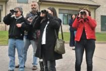 Instruyen sobre observación del cielo con binoculares a guías astronómicos de la zona