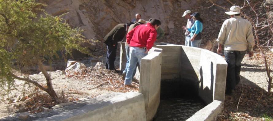 A través de programa apoyan a regantes del Estero Derecho para regularizar derechos de aguas