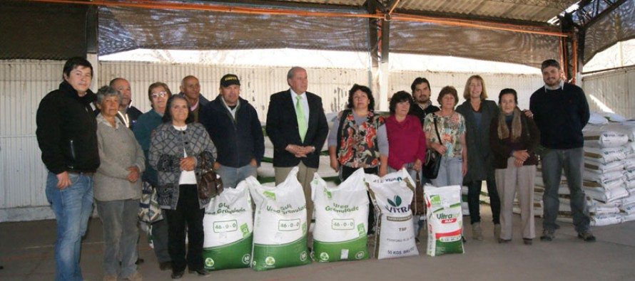 Un total de 151 agricultores fueron beneficiados con la entrega de fertilizantes del INDAP