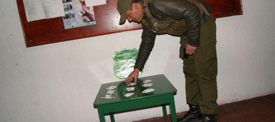 Una pareja es detenida por Carabineros por el delito de microtráfico en Nueva Talcuna