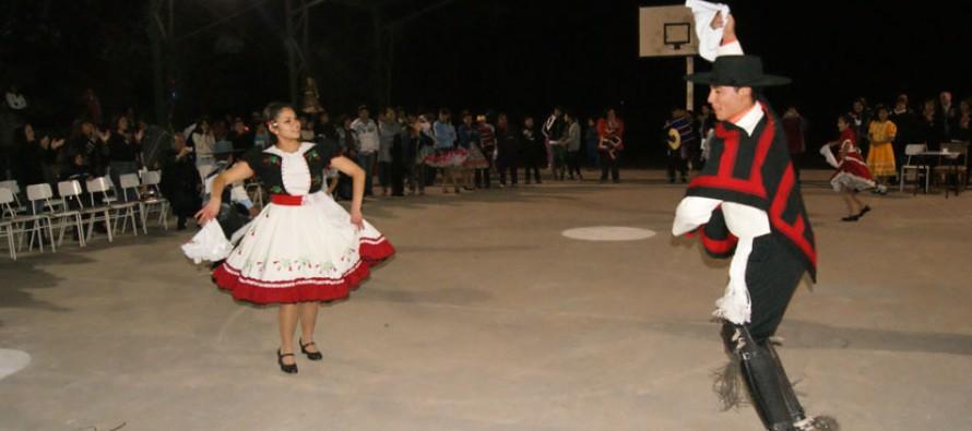 Vicuña ya cuenta con sus tres parejas para el Campeonato Regional de Cueca Escolar