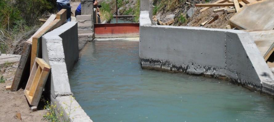 Un 27% del costo de un proyecto de revestimiento de canales corresponde a trabajos de instalación