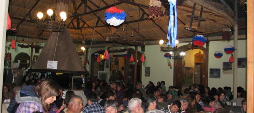 Más de dos millones de pesos reúne agrupación Amigos del Padre Fidel en bingo solidario