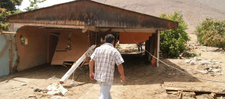 Ocho familias quedaron sin hogar debido a un aluvión provocado por rompimiento de estanque