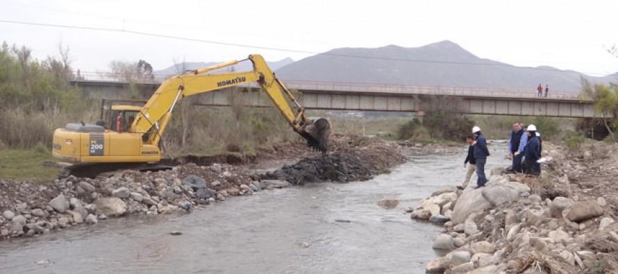 Invierten 430 millones de pesos en encauzamiento del Río Elqui debido a la sequía