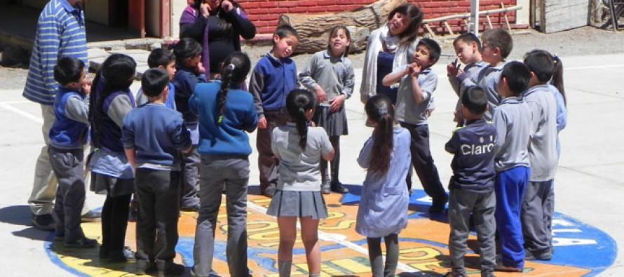 Estudiantes elquinos se introducen en el inglés a través de innovador taller con norteamericanos