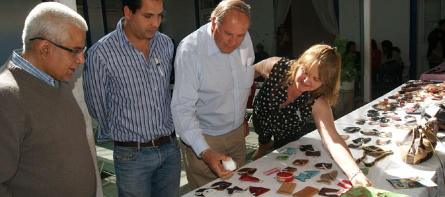 Minera Linderos y municipio de Vicuña certifican a un total de 180 mujeres Jefas de Hogar