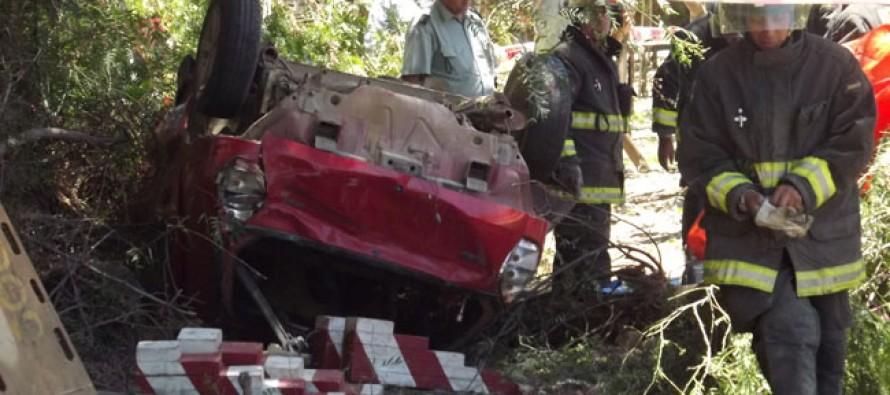 Trágico accidente en El Tambo: persona fallece al perder el control del vehículo en el que viajaba