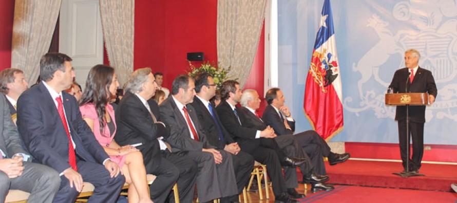 Mario Burlé asume como intendente en reemplazo de Gahona quien tiene desafíos parlamentarios
