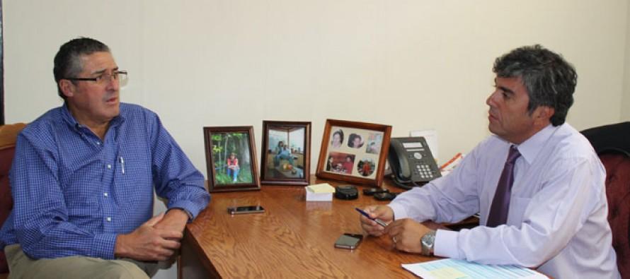Alcalde Vera y Senador Pizarro se reúnen para analizar proyectos para la comuna de Vicuña