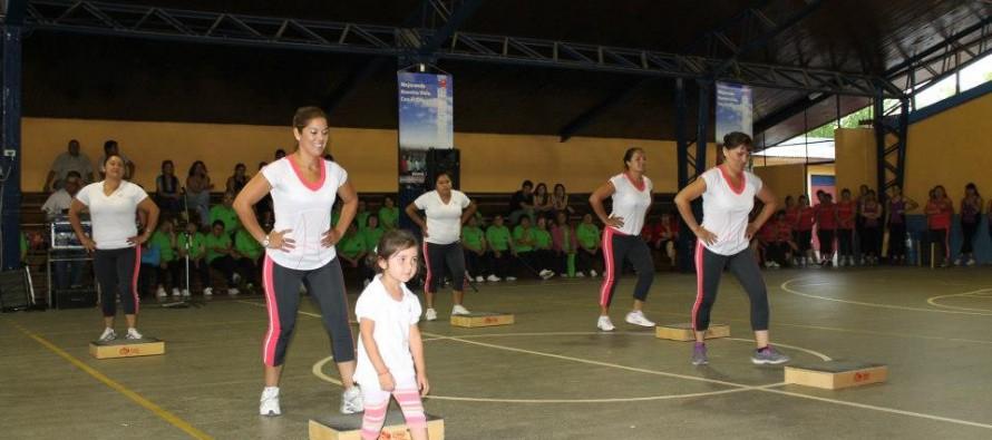 Mujeres vicuñenses luchan con el sedentarismo a través de proyecto de aeróbica