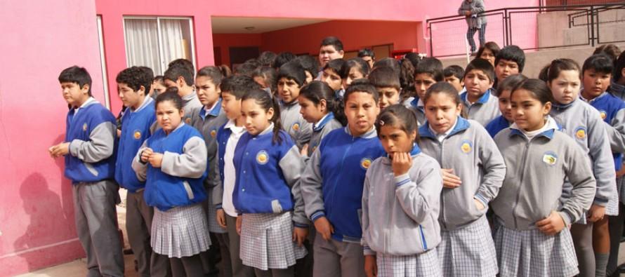Apoderados y alumnos de Talcuna mediante protesta solicitan reincorporación de ex director