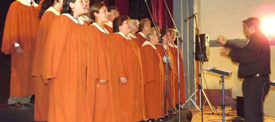 Coro Gospel IBB deleitó al público vicuñense en el Teatro Municipal