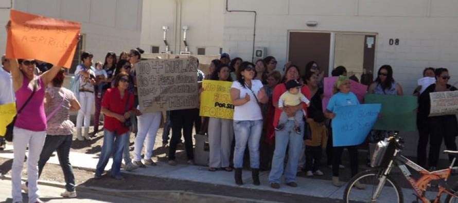 Miembros de comités de allegados protestan por demora en entrega de sus viviendas