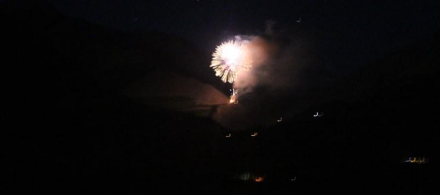 Paihuaninos recibieron el 2013 con tradicionales fuegos artificiales