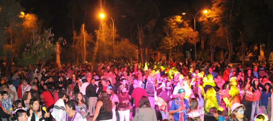 Vicuña le dio la bienvenida al 2013 con show de fuegos artificiales y fiesta familiar en la plaza