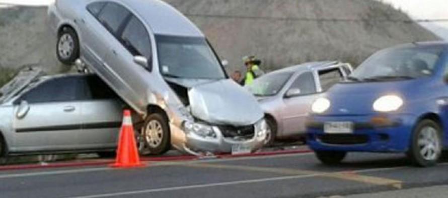 Colisión múltiple de vehículos en Altovalsol deja a seis personas heridas