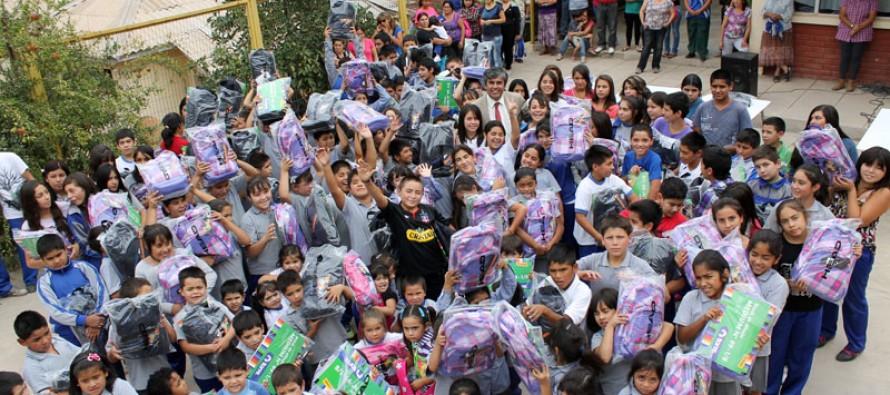 Finaliza entrega de útiles a la totalidad de los estudiantes municipalizados de Vicuña