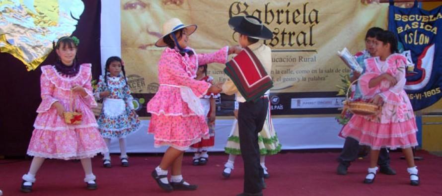 En colegio El Islón celebran Día de la Educación Rural con homenaje a Gabriela Mistral