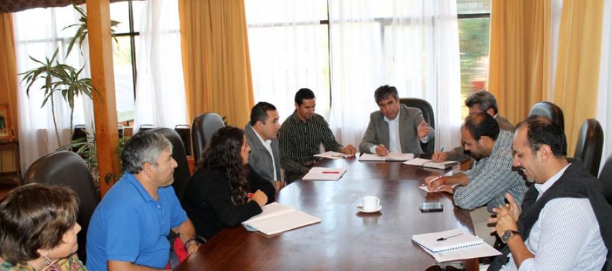 Analizan proyectos para vecinos de las localidades de Andacollito y El Arenal