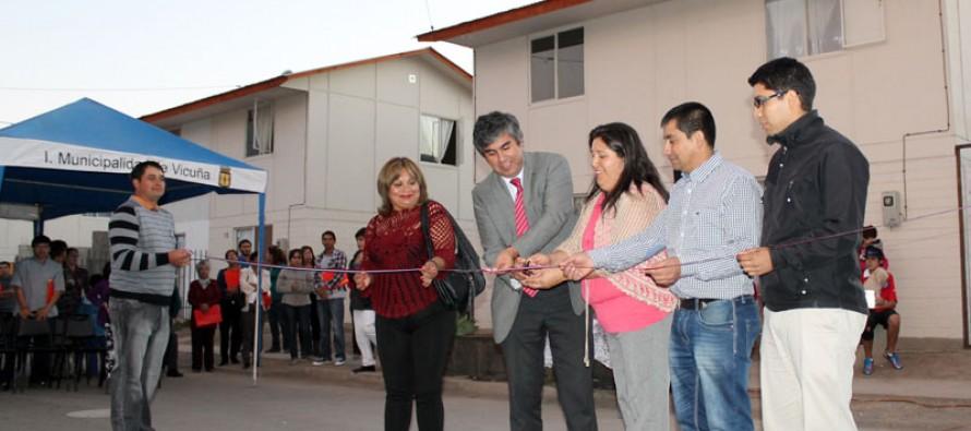 Familias de población Antakari cumplen su sueño de la casa propia con titulo de dominio