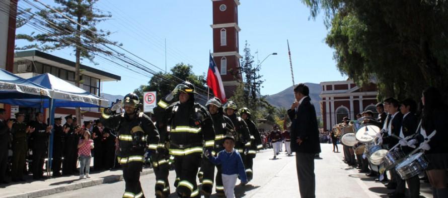 Vicuñenses le rinden homenaje a  las Glorias Navales con participación de organizaciones