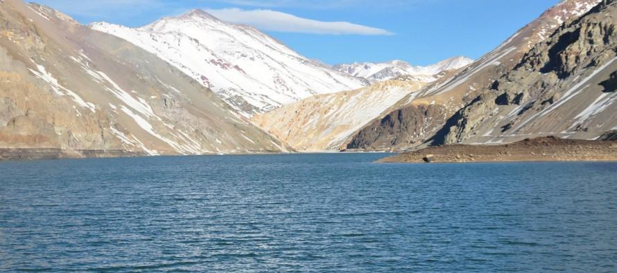 Cierran compuertas de embalses La Laguna y Puclaro para la acumulación de agua