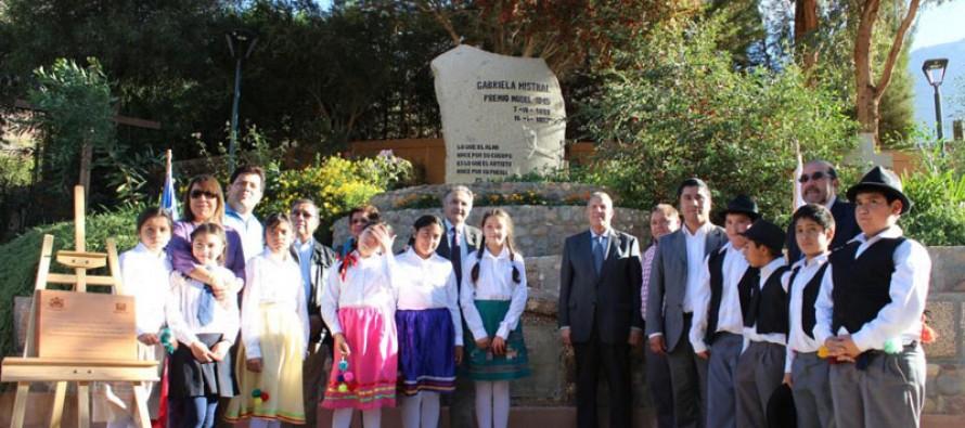 Representantes de Centro Mohammed VI reconocen a Gabriela Mistral en Montegrande