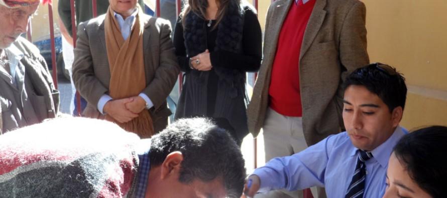 73 crianceros de Paihuano recibieron bonos por un total de $100 mil para palear la seguía