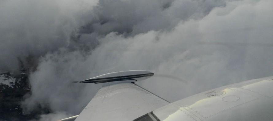 Despega primer avión para iniciar siembra de nubes con sistema frontal anunciado para la zona