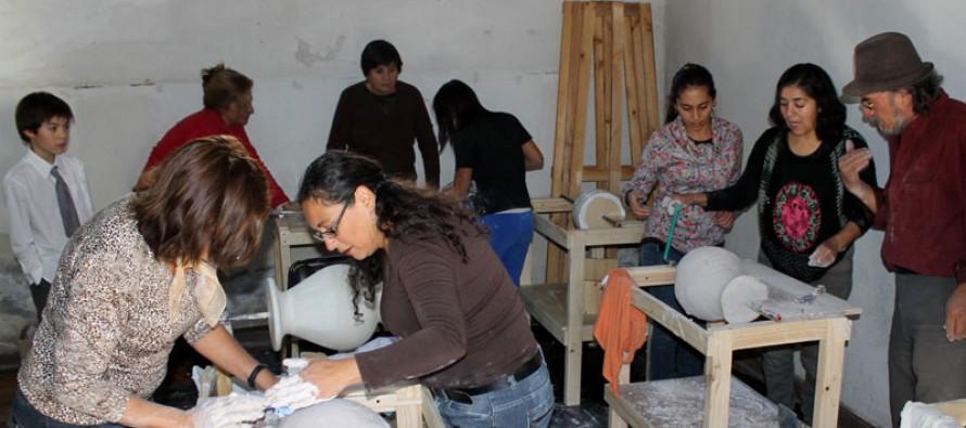 Buscan rescatar técnicas artesanales ancestrales a través de taller de cerámica