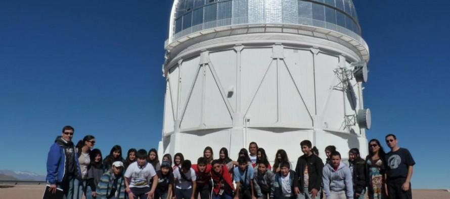 Estudiantes de Vicuña y Santo Domingo estrechan lazos en torno a Mistral y Neruda
