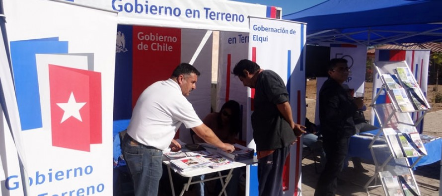 Vicuñenses pudieron realizar sus consultas en los servicios del Gobierno en Terreno