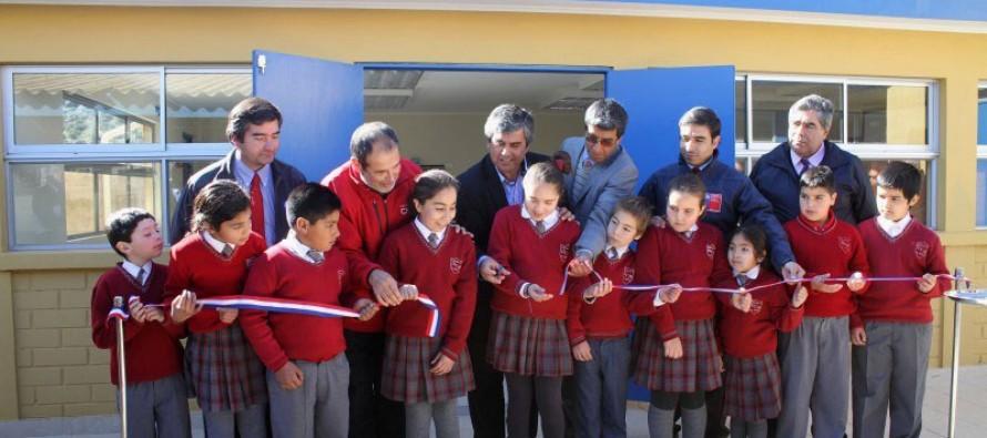 Moderno laboratorio permitirá mejorar enseñanza de ciencias en la escuela de El Molle