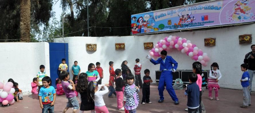"""Con fiesta masiva los niños y niñas vicuñenses celebraron su día en la """"Plaza Entretenida"""""""