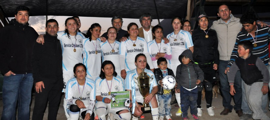 Lourdes es el nuevo monarca del Campeonato de Apertura del fútbol femenino elquino