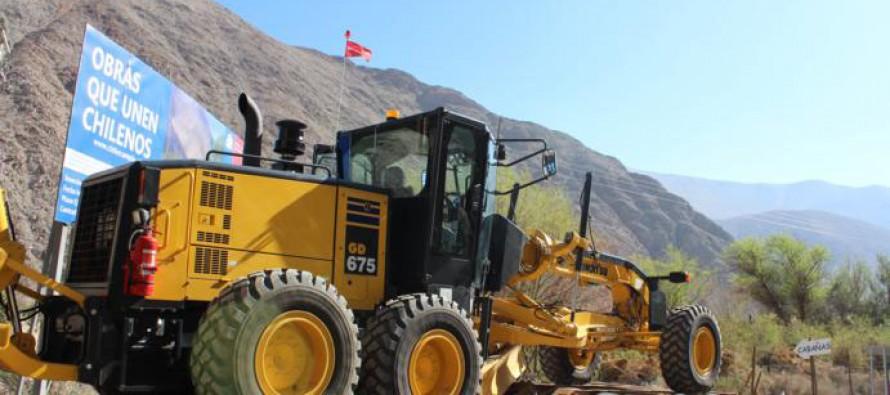 Mejorarán condiciones viales en los caminos de Paihuano con compra de motoniveladora