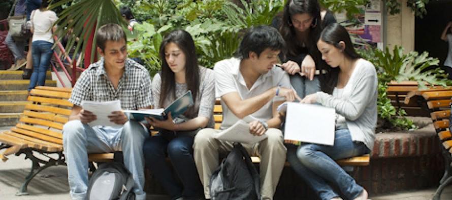 Mineduc abre postulaciones a becas y créditos para primer año de educación superior