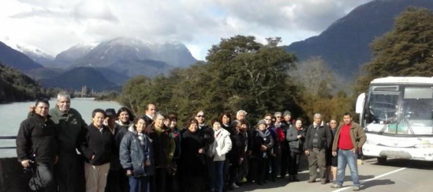 """Adultos Mayores del club """"Cielo Claro"""" de Paihuano disfrutaron de una gira por el sur de Chile"""