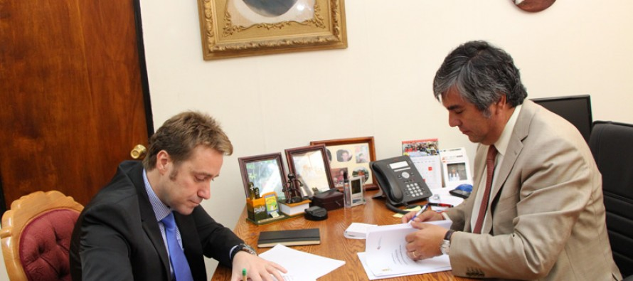 Vicuña firma convenio con fundación española para el desarrollo turístico y tecnológico