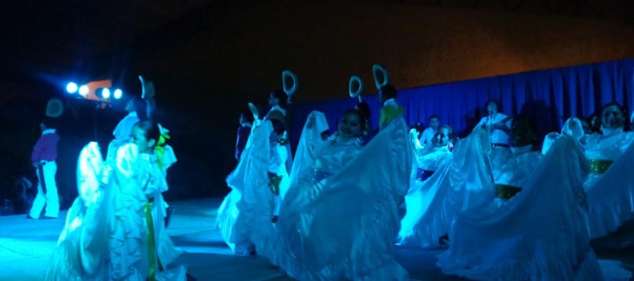 Paihuano se llenó de folclore de Italia y Ecuador con presentación de ballet internacionales