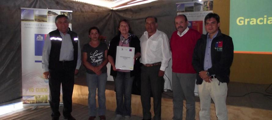 Entrega saneamiento de títulos a 13 Comunidades de Agua de Estero Derecho en Pisco Elqui