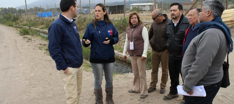 Autoridades visitan loteos irregulares y presencian robo de agua en Sector Gabriela Mistral