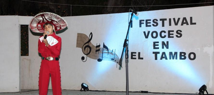 """Con éxito se desarrolló el Primer Festival """"Voces en El Tambo"""" de la escuela Neftalí Reyes"""