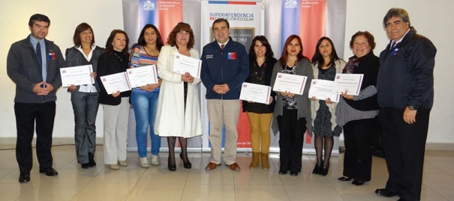 Superintendencia de Educación reconoce a Colegio Antonio Varas y Escuela David Rojas de Varillar