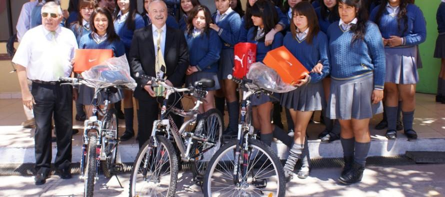 """Primer lugar de la zona norte de  """"Elige No fumar"""" fue para Liceo Carlos Mondaca de Vicuña"""