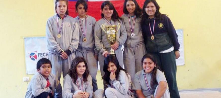 Colegio Antonio Varas se queda con el primer lugar del Campeonato Regional Escolar de Pesas